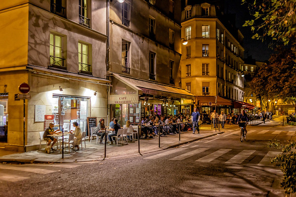 A typical neighborhood scene near my hotel, which is near the Place de la Republique.